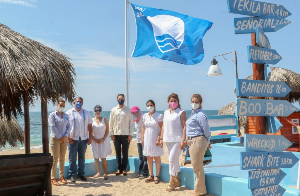 ceremonia blue flag playa mirador